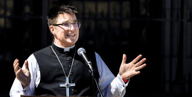 Steht ein für Vielfalt: Bischof Megan Rohrer (Foto: PA/AP/John Hefti)