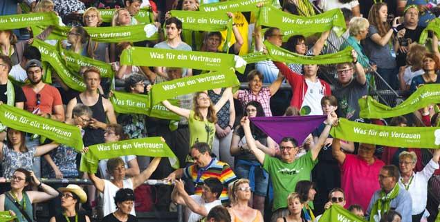 Vereint in Grün: Hoffnung sei ein säkulares Wort für Gott, sagt der Kirchentag  (Foto: Deutscher Evangelischer Kirchentag 2019)
