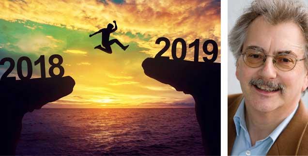 Der Sprung ins Jahr 2019: Ein eher dunkles Jahr verlassen, ein helles vor uns? Es gibt Anlass zur Hoffnung, findet Wolfgang Kessler (rechts). (Fotos: istockphoto/oatawa; privat)