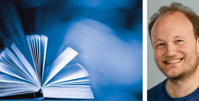 Führen uns heilige Bücher in die Zukunft? »Ja!«, sagt der Paderborner Theologe Klaus von Stosch (rechts) in der Publik-Forum-Reihe »Streitfragen zur Zukunft«. (Fotos: iStock/Viorika; KNA/Harald Oppitz)