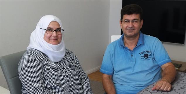 Fünf Jahren nach ihrer Flucht fühlen sich Meher Azzam und seine Frau Faten Dameer wohl im brandenburgischen Neuruppin. (Foto: Scheffer)
