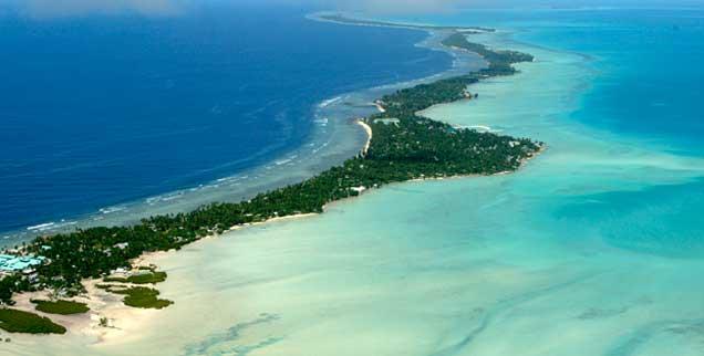 Ein Paradies vor dem Untergang: Der Pazifikstaat Kiribati, der aus vielen Atollen besteht, wird aufgrund des Klimawandels und des steigenden Meeresspiegels in absehbarer Zeit nicht mehr existieren (Foto: PA/AP/Vogel)