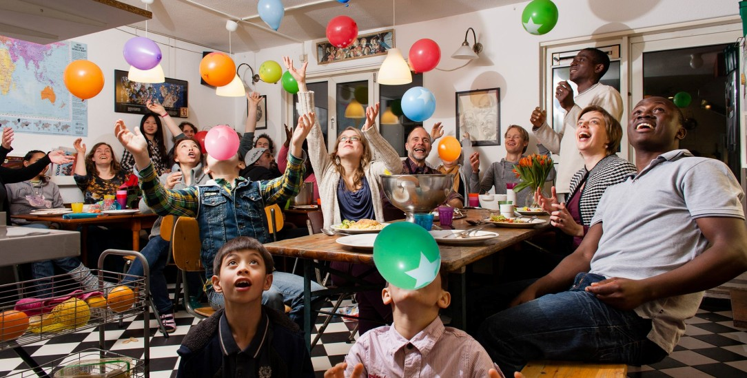 Beten, feiern, protestieren: Die Gemeinschaft aus dem Jeannette Noël Huis in Amsterdam (Foto: Catholic Workers Amsterdam, noelhuis.nl)