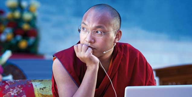 Zwischen Moderne und uralten Traditionen: Ogyen Trinley Dorje könnte dem tibetischen Buddhismus eine ganz eigene Innovationskraft verleihen. (Foto:  www.karmapa-germany.de/Filip Wolak Photography)