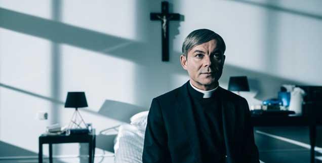 Unheilige Männer: Szene aus dem Film »Kler«. Die Handlung ist fiktiv, die Missstände sind real (Foto: Mrozowski/Kler)