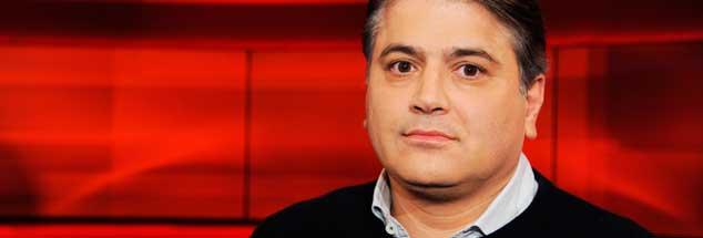 »Deutschtürke sein ist nichts für Feiglinge«, sagt Mehmet Daimagüler. Ständige werde man gefragt: »Wie hältst du es mit Erdogan?« Und beim Fragen bleibe es nicht ... (Foto: Galuschka)
