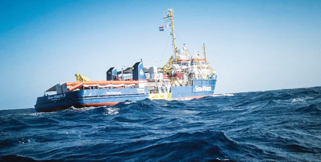 Schiff ahoi: Die EKD will Schiffbrüchige retten und setzt damit ein Zeichen, auch an die Politik (Foto: pa/Ropi)