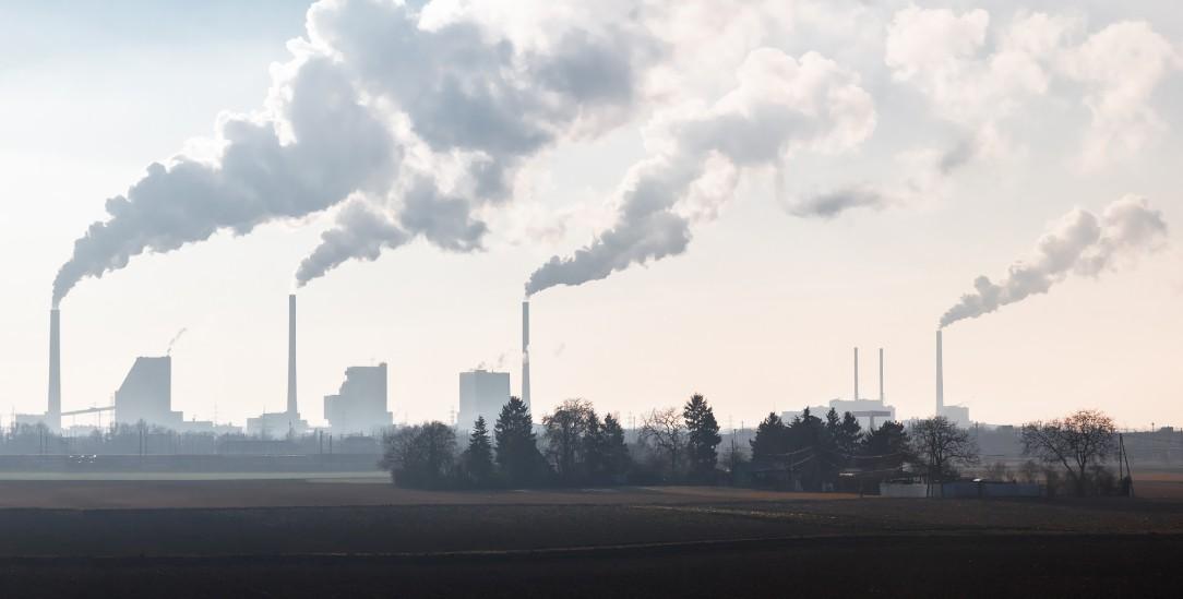 Mit den Erträgen aus den Aktien von Kohleunternehmen finanzieren Städte und Kommunen öffentliche Ausgaben. (Foto: istockphoto/JM_Image_Factory)