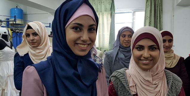 Junge Mode-Designerinnen in Gaza: Start-ups zwischen Raketen. (Foto: Rheinheimer)
