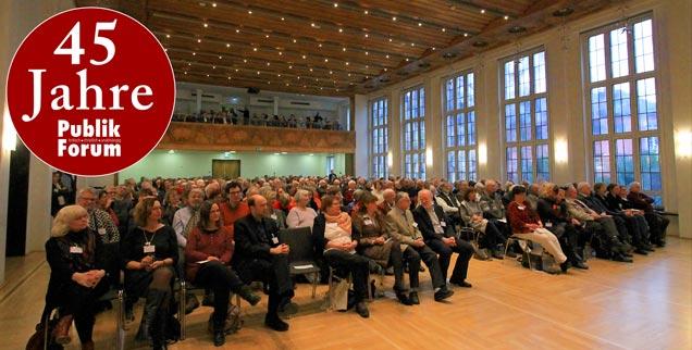 45 Jahre Publik-Forum: Im Festsaal des Frankfurter Dominikanerklosters wurde dieser Geburtstag am 29. Januar mit über 400 Gästen gefeiert. (Foto: Publik-Forum/Barbara Wetzel) Mehr Fotos in der Galerie