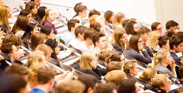 Ganz normale Studenten: Von Herbst an werden in Lublin auch 32 Straftäter Vorlesungen hören (Foto: pa/Peljak)