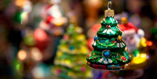 Der Tannenbaum am Tannenbaum: Und alles sieht so harmlos aus ... ! (Foto: istockphoto/Victoria Kotov)