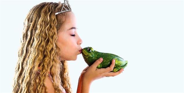 Lebensziel Märchenprinz: Ist das für »kleine Prinzessinnen« eine gute Botschaft? Der Experte meint, dass Märchen sogar emanzipatorisch sind (Foto: Getty Images/iStockphoto/Lunamarina)