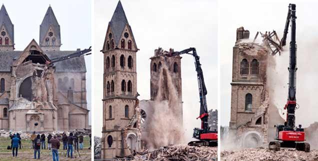 Über 120 Jahren stand der so genannte Immerather Dom, in nur drei Tagen wurde er abgebrochen, am 10. Januar fiel bereits der letzte Stein (Foto: pa/Gambarini/Kaiser)