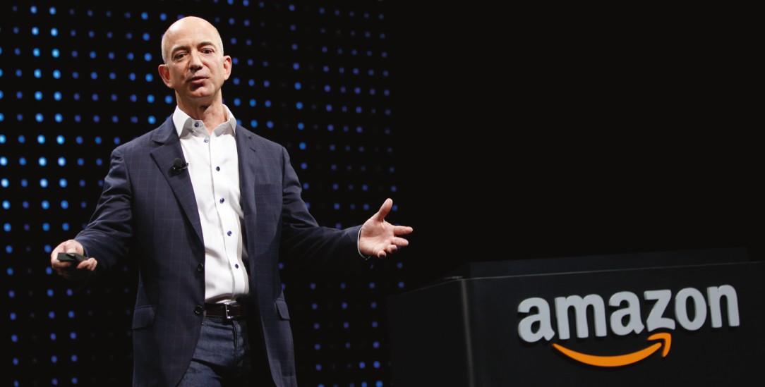 Schmähpreis für Amazon-Chef: Jeff Bezos erhält den Dead Planet Award der ethecon-Stiftung (Foto: PA/ZumaPress/Patrick Fallon)