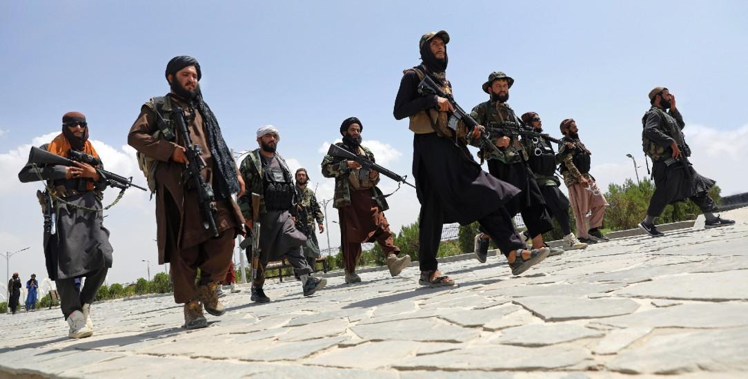 Die neuen, alten Herrscher: Die Taliban beteuern, gemäßigter regieren zu wollen. Aber kann man ihnen vertrauen? (AP Photo/Rahmat Gul)