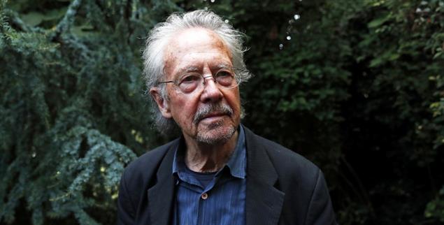 Gefeiert und umstritten: Im Dezember erhält Peter Handke den Nobelpreis für Literatur (Foto: pa/ap/Francois Mori)