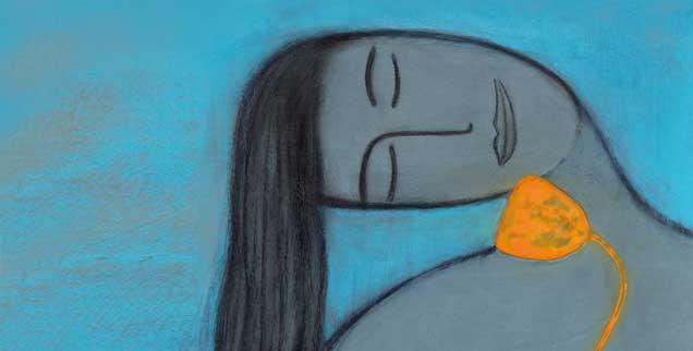 Frau mit Blume: Im Schauen der Schönheit kommen Menschen in Kontakt mit der grenzenlosen Liebe auf dem Grund ihrer Seele (Foto: Marie Bertrand/Corbis)