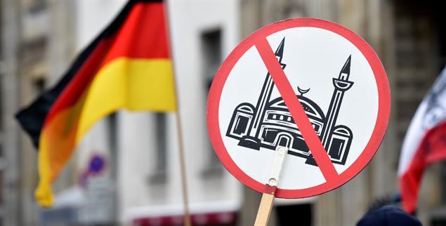 Feindbild Islam: Demonstration gegen die angebliche »Überfremdung« durch Muslime. (Foto. pa/Seidel)