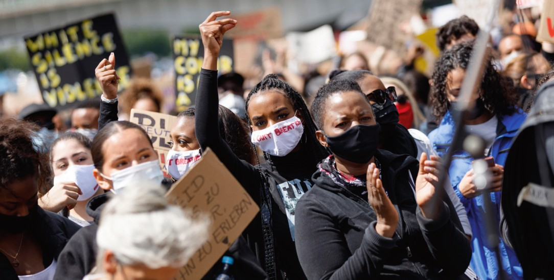 »Weißes Schweigen ist Gewalt«: Black-Lives-Matter-Demonstration in Köln (Foto: PA/Christoph Hardt/Geisler-Fotopress)