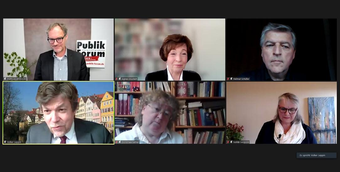 Moderator Matthias Drobinski (obere Reihe links) und die fünf Podiumsgäste (im Uhrzeigersinn): Agnes Wuckelt, Helmut Schüller, Isolde Leopold, Dorothea Sattler und Volker Leppin.