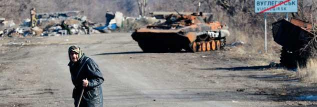 Unendliches Leid und große Zerstörung: Viele sind geflohen aus Debalzewe und anderen Orten der Ostukraine, aber manche sind geblieben und ertragen die Folgen des Krieges (Foto: pa/Voskresenskiy/RIA Novosti)