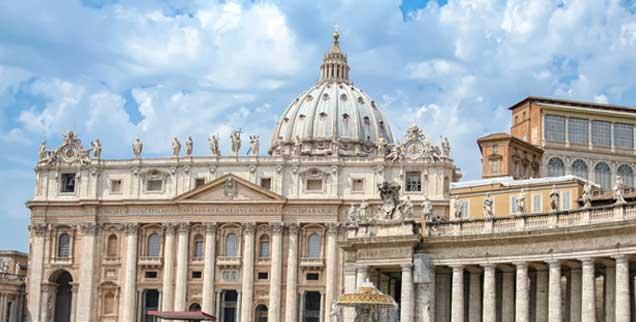 Der Vatikan: Ab dem 4. Oktober 2015 findet hier die Weltfamiliensynode statt. Noch sieht's ja ganz sonnig aus ... (Foto: refresh/PIX/Fotolia)