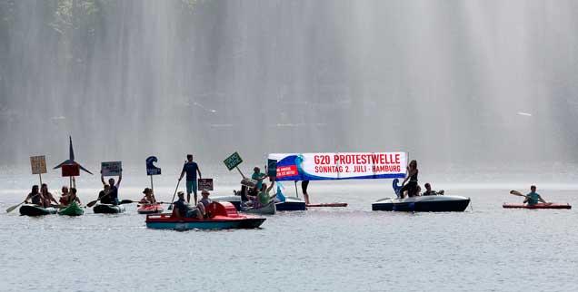 Mit einer Bootsdemo auf der Binnenalster und einem Programm am Rathausmarkt beginnt heute in Hamburg der Protest gegen den G20-Gipfel, zahlreiche weitere Veranstaltungen sind im Laufe der Woche geplant (Foto: www.g20-protestwelle.de)