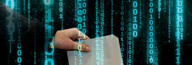 Die massenhafte Verbreitung von digitalen Geräten macht's möglich: Was früher auf Papier in Stasi-Ordnern endete, steht heute überall bereit, persönliche Daten haben Geldwert bekommen und werden gehandelt, das birgt Gefahren (Fotos: valerybrozhinsky/Fotolia; Christian Schwier/Fotolia)