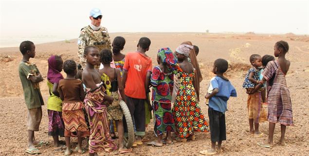 Umstrittener Einsatz: Deutscher UN-Soldat in Mali (Foto: PA/DPA/Kristin Palitza)