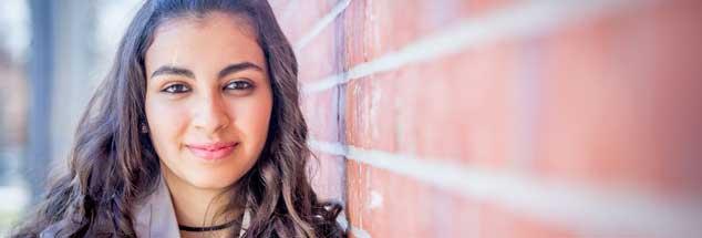 Reem Sahwil: Die 16-Jährige sehnt sich nach einer dauerhaften Heimat. (Foto: Heyne Verlag/ Susanne Krauss)