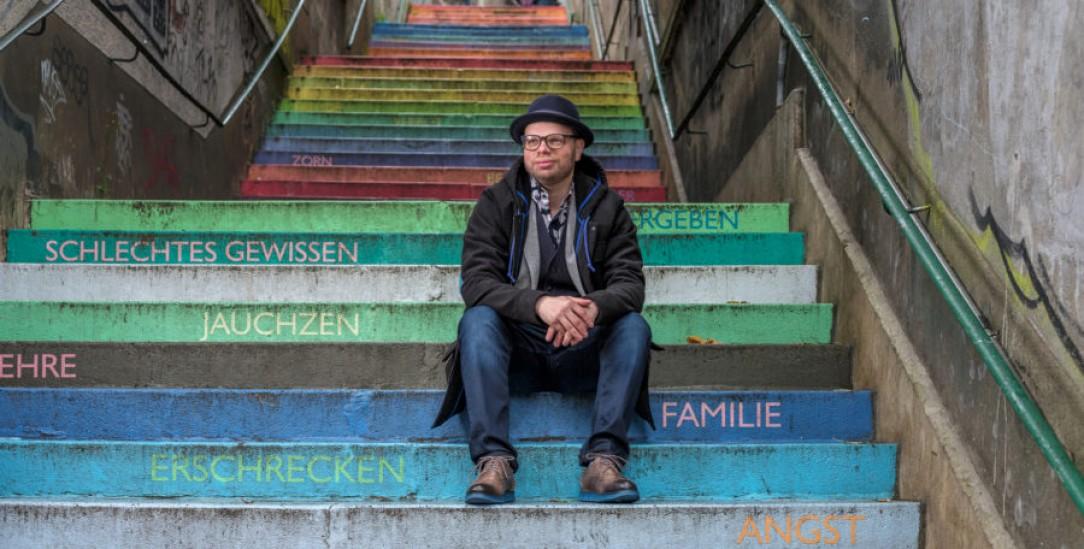 Der SPD-Abgeordnete Helge Lindh auf der Holsteiner Treppe seiner Heimatstadt Wuppertal (Foto: Pressebild Lindh/Christoph Busse)
