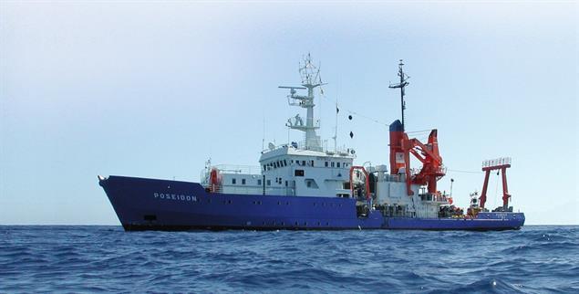 Einst Forschungsschiff, jetzt Rettungsschiff: Die Poseidon hat neue Aufgaben (Foto: Wikipedia/Ruhland)