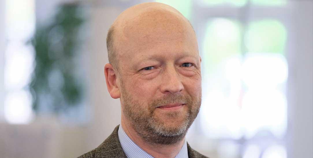 Johann Hinrich Claussen, Kulturbeauftragter der EKD: »Wenn die AfD so fromm wäre, wie sie behauptet, müsste sie sich fragen, wie sie mit den christlichen Grundprinzipien umgeht.«
