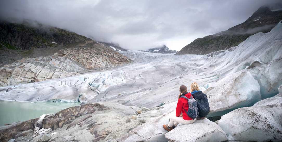 Die Gletscher schmelzen: Grund ist die Erderhitzung. Höchste Zeit, den CO2-Ausstoß zu minimieren (Foto: istockphoto/Christopher Ames)