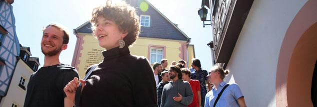 Studierende der Cusanus-Hochschule in Bernkastel-Kues, sie suchen nach den Bedingungen eines guten Lebens für alle (Foto: Feller)