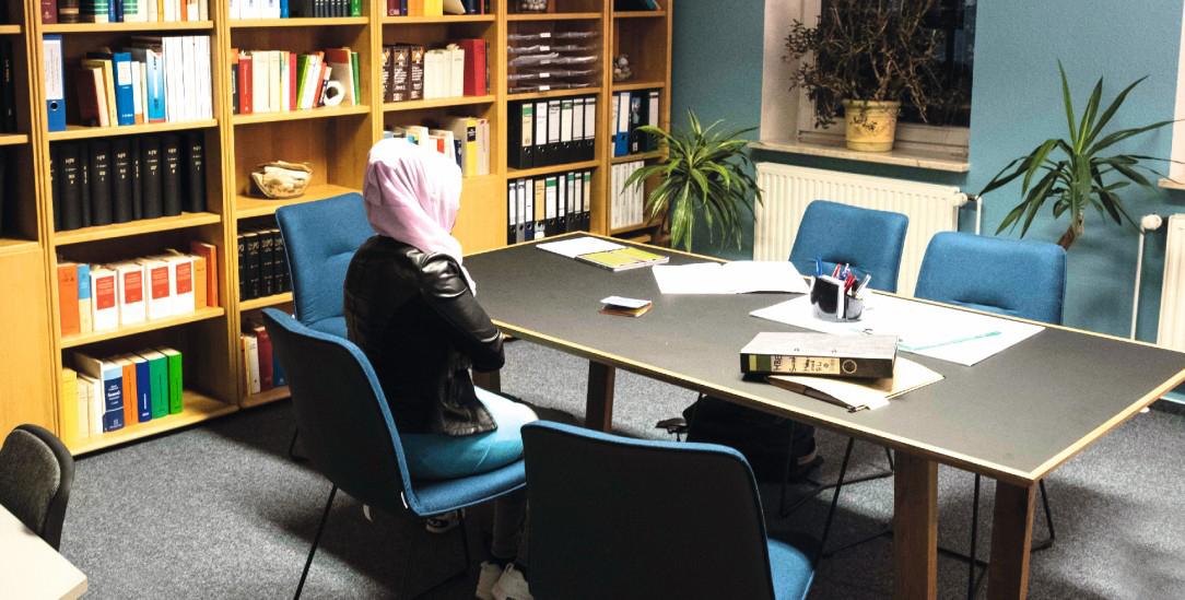 Suad Mahamed Ali im Büro ihrer Anwältin (Foto: Condorelli)