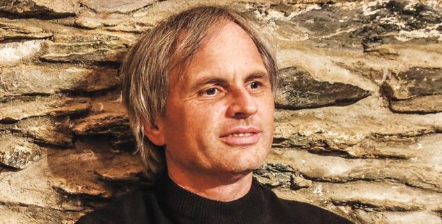 Lässt sich von Schwierigkeiten nicht unterkriegen: Christof Müller, Lehrer für Religion und Geschichte (Foto: Christiane Busch)