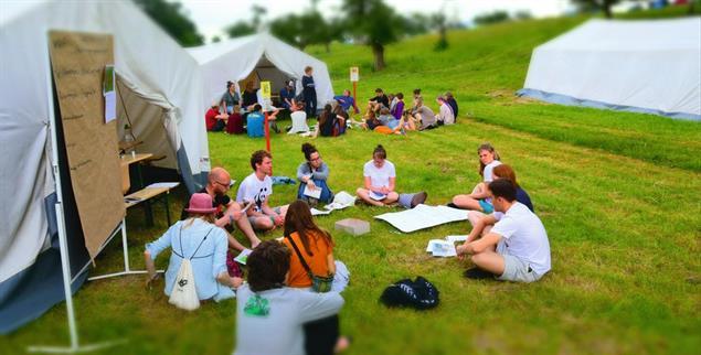 Gemeinsam auf der Suche nach einer guten Agrar-Zukunft: Öko-Aktivisten in Bad Vilbel (Foto: wir-haben-es-satt)