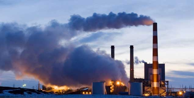 Kohlekraftwerk in Kanada: Bis 2030 müssten die westlichen Staaten aus der Kohleverstromung aussteigen, sagen Wissenschaftler, wenn sie die Klimaziele von Paris erreichen wollen (Foto: pa/McPhoto)