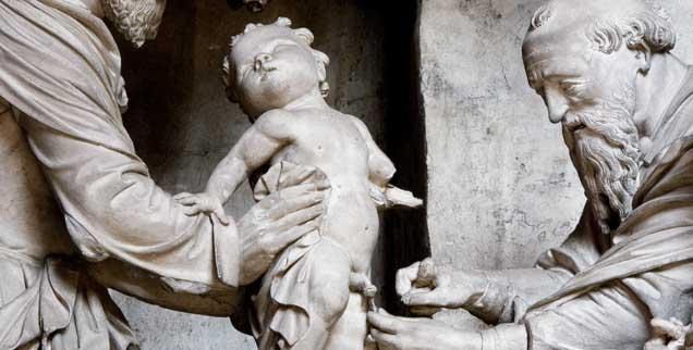 Auch Jesus wurde beschnitten: Hier die Darstellung dieses Geschehens in der Cathedrale Notre Dame de Chartres. (Foto: pa/Juettner)
