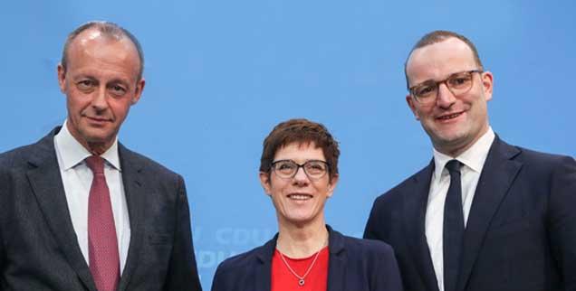 Die Kleinste ist obenauf: Annegret Kramp-Karrenbauer hat künftig den Parteivorsitz inne. Ihre Konkurrenten Merz (links) und Spahn (rechts) haben das Nachsehen. (Foto: pa/Eventpress Rekdal)