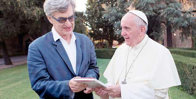 Wim Wenders führte mit Papst Franziskus für seinen Dokumentationsfilm lange Gespräche (Foto: pa/©Focus Features/cour)