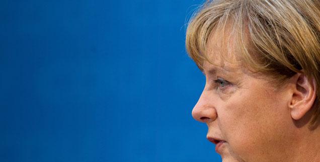 Angela Merkel: Droht ihr ein Schicksal wie Gerhard Schröder? (Foto: pa/Kappeler)