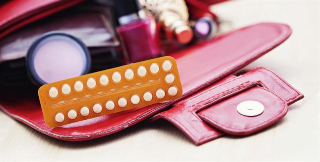 Trügerische Tablette: Die Anti-Baby-Pille wird manchmal wie ein Lifestyleprodukt für schönere Haut und Haare vermarktet, hat aber gefährliche Nebenwirkungen (Foto: PA/Shotshop)