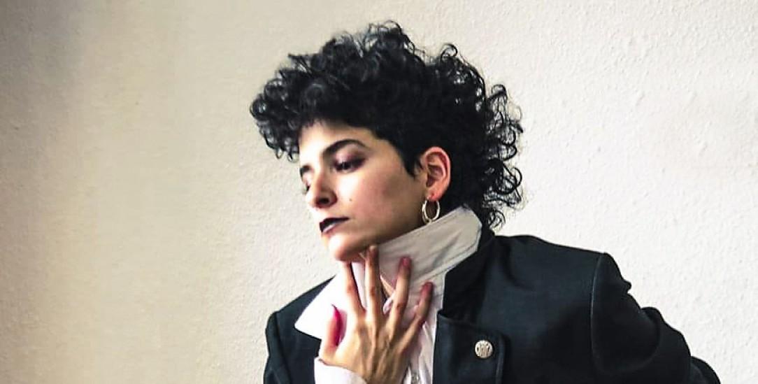 Lässt sich nicht gern festlegen: Musikerin Rasha Nahas (Foto: facebook.com/rashanahasmusic/ Photo by Daniel Lugansky, art by Yelizabeta)