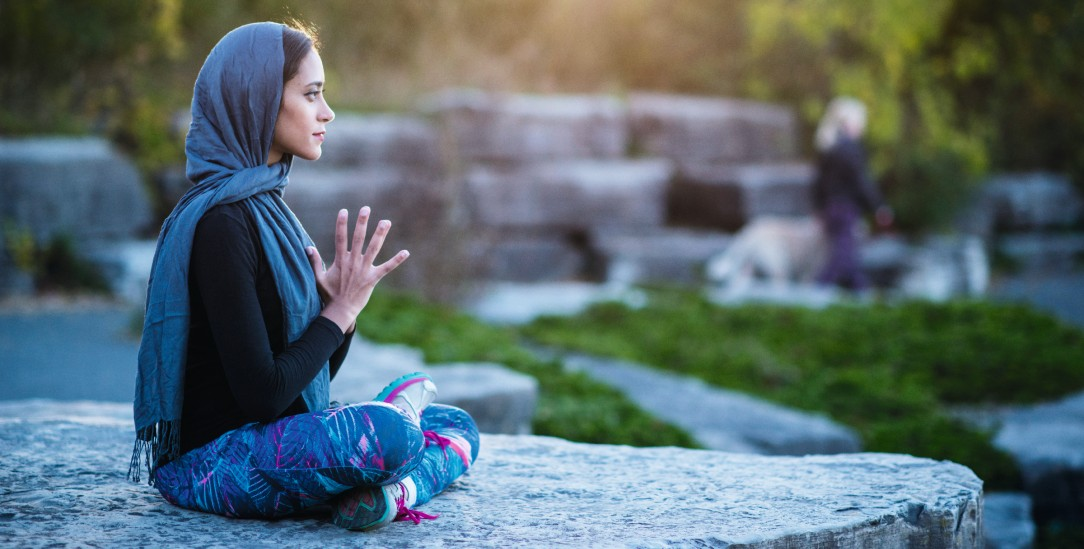 Im Einklang mit sich selbst: Eine spirituelle Praxis kann Menschen helfen, psychisch gesund zu sein (Foto:istockphoto/FatCamera)