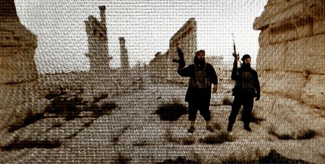 IS-Angehörige vor den Ruinen von Palmyra in Syrien: Wie entsteht dieser abgrundtiefe Hass gegen Andersgläubige?  (Foto: pa/Stefan Kopetzky//modifiziert)