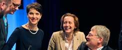Frauke Petry, Beatrix von Storch, Joerg Meuthen: zufrieden mit dem Parteitag in Stuttgart, der am Sonntag zu Ende ging. (Foto: pa/Simon)