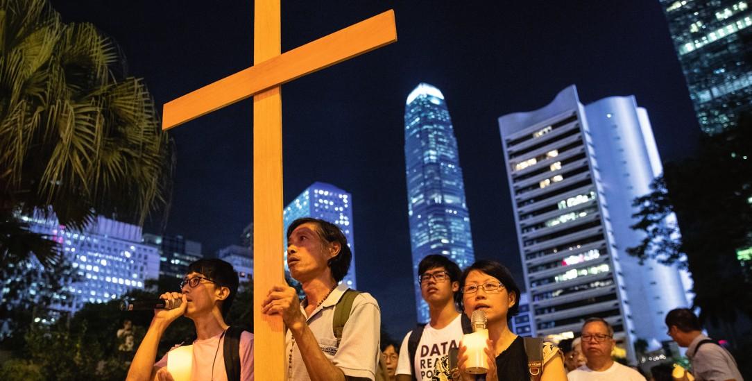 Mit dem Kreuz für Demokratie: Christen in Hongkong (Foto: pa/Reuters/Danish Siddiqui)